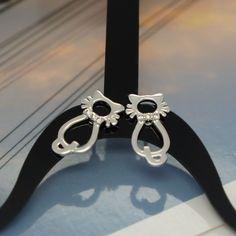 Product tpye: Stud Earrings. Metail type: 925 Silver. Stone type: Crystal. Women Fashion 925 Silver SWAROVSKI CRYSTAL Diamond-shape Stud Earrings. Women Fashion 925 Sterling Silver SWAROVSKI CRYSTAL Heart Shape Stud Earrings.
