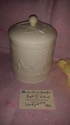 ***SOLD****$35--Vintage Etruria & Barlaston WEDGWOOD England Cream Ware Fox Hunt Biscuit Jar with Lid and Original Card by JunkYardBlonde on Etsy