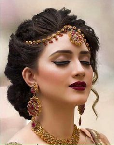 ideas indian bridal makeup simple hair style for 2019 Simple Bridal Makeup, Bridal Eye Makeup, Bridal Makeup Looks, Bride Makeup, Party Makeup, Simple Makeup, Bridal Looks, Wedding Makeup, Pakistani Bridal Makeup