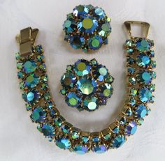 "Costume jewelry gained a foothold in fashion during World War II when metals were rationed. Instead of being an imitation of ""real"" jewelry, costume jewelry was designed to look like costume jewelry. Vintage Costume Jewelry, Vintage Jewelry, Antique Jewelry, Western Jewelry, Grandmother Jewelry, Jewelry Tags, Necklace Sizes, Turquoise Jewelry, Bracelet Set"