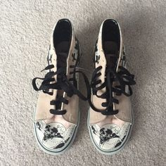 445e5fba63 Vans Off The Wall Skull high top sneakers Super rad high top vans with  skulls on