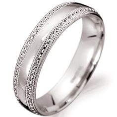 white golden wedding ring (woman)