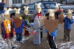 CHEVALIER. Un assaut de petits chevaliers.