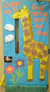 Giraffe Classroom Door Decoration Idea - Come on in - God (or teacher's name) has a spot for you. Sunday School Rooms, Sunday School Classroom, Sunday School Lessons, Sunday School Crafts, Classroom Door, Classroom Ideas, Christian Bulletin Boards, Class Bulletin Boards, Preschool Bulletin Boards
