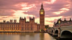 Big Ben London England (by Thomas Fabian) Wallpaper Computer, Wallpaper Pc, Macbook Wallpaper, Cheap Places To Travel, Places To Visit, Best Places To Work, Amazing Places, Westminster Bridge, Beautiful London