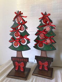 Winter Wood Crafts, Christmas Wood Crafts, Wooden Christmas Trees, Christmas Projects, Christmas Jesus, Christmas Makes, Christmas Door, Christmas Holidays, Natal Country
