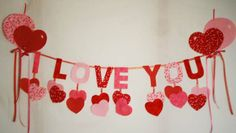 I Love You Garland with Balloons Pattern (just learning, wall hanging and banners) Valentine Activities, Valentine Crafts For Kids, Mothers Day Crafts, Valentines Diy, Diy Valentine's Day Decorations, Valentines Day Decorations, Diy Birthday Banner, Boyfriend Crafts, Valentine's Day Diy