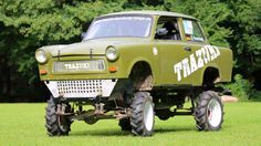 Gab's früher nicht, heute schon: Den Monster-Trabi Lemon Car, East German Car, Ddr Museum, Honda Scrambler, Happy Birthday, Spark Plug, Bike Design, Sidecar, Car Humor
