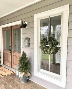 70 Beautiful Farmhouse Front Door Design Ideas And Decor - Googodecor Grey Exterior, House Paint Exterior, Exterior House Colors, Exterior Design, Outdoor House Colors, Farmhouse Exterior Colors, Exterior Windows, Grey Siding House, Exterior Signage
