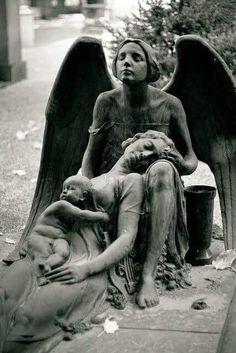 So sad but beautiful - Engel, Skulpturen und Staturen - Sadness Cemetery Monuments, Cemetery Statues, Cemetery Headstones, Old Cemeteries, Cemetery Art, Graveyards, Cemetery Angels, I Believe In Angels, Ange Demon