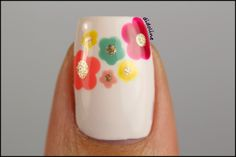 White, Mint Cream, Sunflower, Prissy Chrissy, Coral Dream, Raspberry Sorbet & Polt of Gold. http://www.eyeslipsface.nl/product-beauty/nagellak