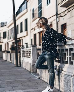 Secrets Of Sneaker Shopping – Sneakers UK Store Outfit Jeans, Lässigen Jeans, Big Fashion, Fashion News, Winter Fashion, Fashion Outfits, Rock Style, Style Me, Mode Simple