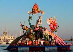 Vive las Hogueras de San Juan de Alacant-Alicante, toda la información práctica e imágenes, hoguera, cohetes, música, pólvora, ofrenda, desfile, flores