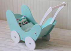 drewniany wózek dla lalek miętowy pościel w ululani na DaWanda.com