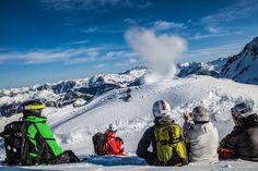 Freeride Saftey Check - mit dem Freeride Safety Check erweiterst du dein Wissen und deine Erfahrung im alpinen Raum abseits der Piste. Im Kurs werden Maßnahmen erlernt, um Risiken künftig besser einschätzen zu können. #silvrettamontafon #skiing #study #safety #freeride Mount Everest, Mountains, Nature, Travel, Summer, Knowledge, Naturaleza, Viajes, Traveling