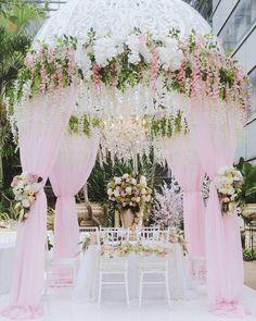 Wedding Decorations, Table Decorations, Romantic, Garden, Instagram Posts, Home Decor, Garten, Decoration Home, Romantic Things