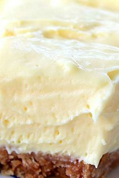 Cream Cheese Lemonade Pie - Great Grub, Delicious Treats Cream Cheese Lemonade Pie ~ This is definitely a refreshing, super delicious, creamy dessert! 13 Desserts, Lemon Desserts, Lemon Recipes, Pie Recipes, Dessert Recipes, Summer Desserts, Lemon Pie Recipe, Health Desserts, Sweets