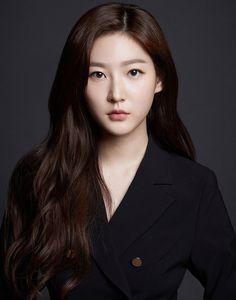 Korean Actresses, Korean Actors, Actors & Actresses, Yg Entertainment, Kim Sae Rom, Shinee, Job Interview Makeup, Nam Woo Hyun, Kpop Girl Bands
