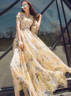 Baby Tulle Dress, Chiffon Maxi Dress, 15 Dresses, Pretty Dresses, Short Sleeve Dresses, Indian Designer Outfits, Designer Dresses, Wedding Dress Gallery, Print Chiffon