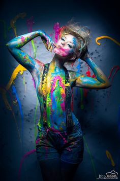 Body painting is a form of body art where artwork is painted directly onto the human skin. Paint Photography, Creative Photography, Portrait Photography, Creative Photoshoot Ideas, Photoshoot Inspiration, Painting Videos, Art Paintings, Painting Art, Belle Photo