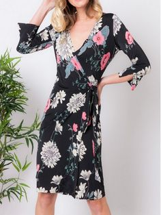 Colon, Cold Shoulder Dress, Dresses With Sleeves, Motifs, Long Sleeve, Fashion, Fashion Ideas, Wrap Dress, Trendy Outfits