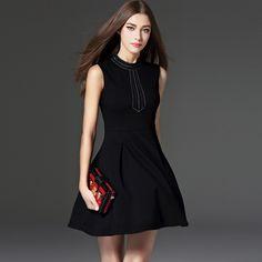New Autumn Slimming LO Fashion Collar Sleeveless Pleated Little Black Dress