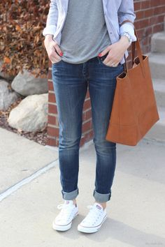 Jeans: Mother denim (fab style for less) Converse // Tote (similar for less) Watch: Michael Kors – old (similar style)… White Converse Outfits, Jeans And Converse, White Chucks, Casual Outfits For Teens, Cute Outfits, Rolled Jeans, Cuffed Jeans, Estilo Indie, Tennis Shoes Outfit