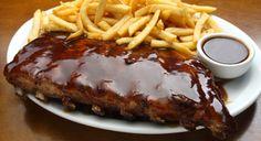 Típico prato americano: Costela com molho barbecue… Hum…