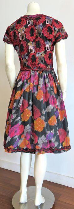 fa83da5303e470 1980 s GEOFFREY BEENE Floral dot taffeta dress with lace appliqués. Taft  JurkKanten JurkStrapless JurkDress UpJurk Tot De EnkelsKant ...