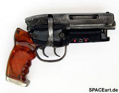 Blade Runner: SSG Blaster (Full Metal), Fertig-Modell ... https://spaceart.de/produkte/br011.php