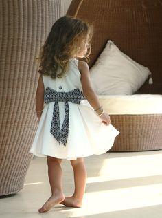 handmade dress for little girls by #lafauteavoltaire