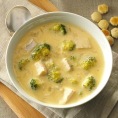 Broccoli-Chicken Rice Soup Recipe -I transformed leftover chicken and rice into this tasty soup. It even passed the company test. Homemade Chicken Soup, Chicken Rice Soup, Chicken Soup Recipes, Chicken Broccoli, Chicken Gnocchi, Chicken Soups, Gnocchi Soup, Rotisserie Chicken, Quick Rice Recipes