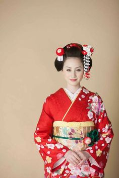 Traditional Kimono Hair Style   #Kimono #Japan http://www.rakuten.co.jp/aiyama/