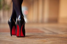 大人のオンナへの階段を上るのに必須な至高靴。マノロvsルブタンの基礎知識 | by.S