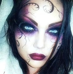 Are you looking for inspiration for your Halloween make-up? Check out the post right here for creepy Halloween makeup looks. Beautiful Halloween Makeup, Halloween Eye Makeup, Halloween Eyes, Halloween Costumes, Halloween Party, Gothic Halloween, Vintage Halloween, Purple Halloween, Halloween Vampire