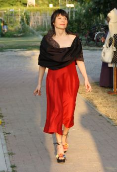 Red dress for a black stola #bridesmaid #clothes
