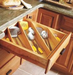 15 Smart Organizing Tips for the Kitchen | Apartment Geeks