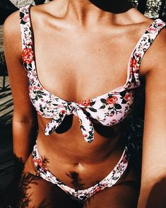 @yuliyakasaraba http://www.allthingsvogue.com/best-one-piece-swimsuits/