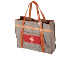Vintage Swiss Army blanket recycled as a bag by Helveticus Large Shoulder Bags, Day Bag, Wool Blanket, Leather Handle, Fashion Bags, Fashion Accessories, Bag Making, Purses And Bags, Autumn Fashion