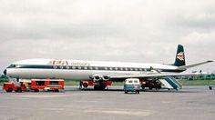 BEA Airtours DH Comet British European Airways, British Airline, De Havilland Comet, Passenger Aircraft, Cargo Airlines, Aesthetic Pictures, Helicopters, Spacecraft, Jets