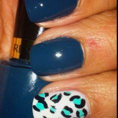 "My own Nails~ Winter'12... =)  Revlon~ ""Fashionista""  Accent~ Essie~""Marshmallow"" & nail art"