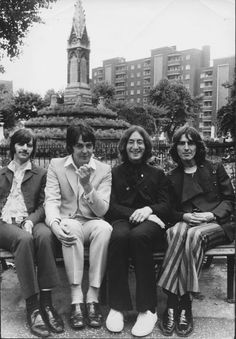 The Beatles on a Bench, an Archival Print. This black and white unique image features the band The Beatles sitting on a bench outdoors. The artwork will be shipped with a Certificate of Authenticity issued by Globe Photos. Foto Beatles, Beatles Poster, Les Beatles, Beatles Art, Beatles Photos, Black And White Picture Wall, Black And White Posters, Black And White Aesthetic, Black And White Pictures