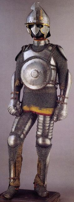 Armor of the Ottoman Empire. A complete suit of century armor as worn by fully armored cavalryman (sipahi) including Chichak (helmet), krug (chest armor), zirah (mail shirt), kolluk/bazu band (vambrace/arm guards), dizcek (cuisse or knee and thigh arm Helmet Armor, Arm Armor, Ancient Armor, Medieval Armor, Empire Ottoman, Armadura Medieval, Knight Armor, Fantasy Armor, 16th Century
