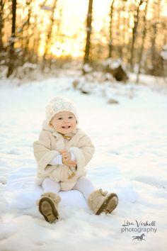 toddler photography, Cincinnati photographer, snow pose, Elizabethtown KY,