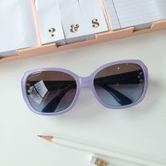 Loving these purple pastel sunglasses to start off the week!