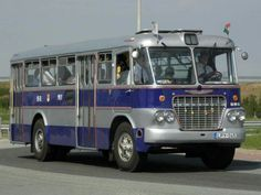 Ikarus 620 Bus Coach, Old Classic Cars, Commercial Vehicle, Caravans, Big Trucks, Old Cars, Motorhome, Budapest, Cars And Motorcycles