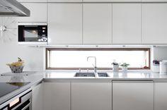 Ikkuna tuo valoa keittiössä työskentelyyn, lisää ideoita www.lammi-kivitalot.fi