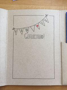 Zelfgemaakte handlettering kaart met vlaggetjes en gefeliciteerd!