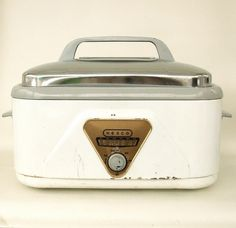 Your place to buy and sell all things handmade Vintage Appliances, Vintage Kitchenware, Small Kitchen Appliances, Nesco Roaster Oven, Electric Roaster Ovens, Retro Kitchen Accessories, Roasting Pan, Electronics, Image Search