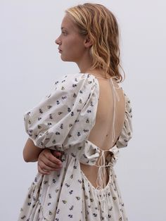 Cecilie Bahnsen operates at the intersection of couture and ready-to-wear to create luxury clothing with a relaxed, timeless style. Fashion Details, Timeless Fashion, Fashion Design, Spring Dresses, Spring Outfits, Over Boots, Belle Dress, Look At You, Mode Inspiration